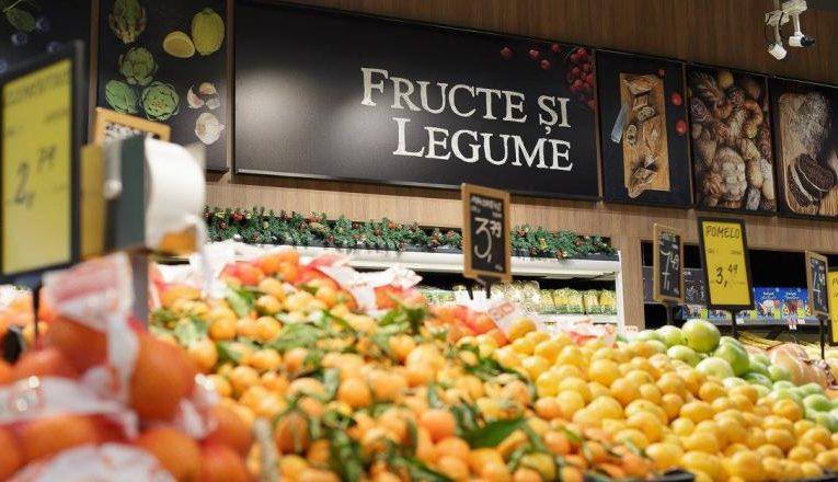 Ce alimente s-au scumpit în luna martie. Cele mai mari creșteri de prețuri, la cartofi și fructe