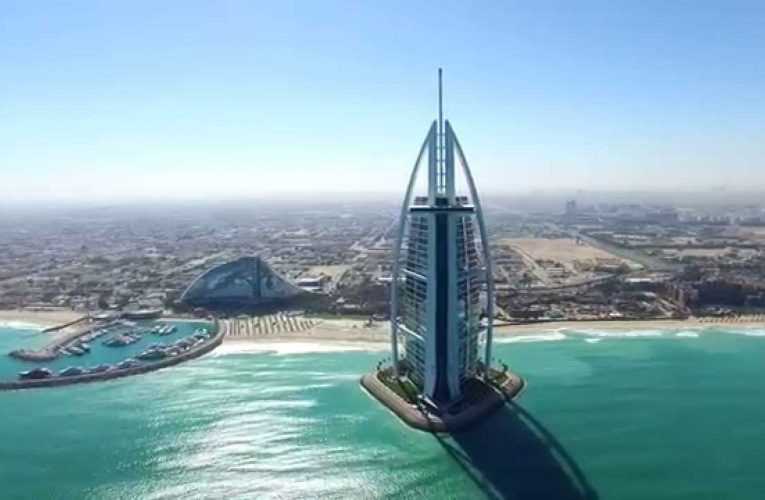 Aerial video of some of Dubai's iconic land marks.
