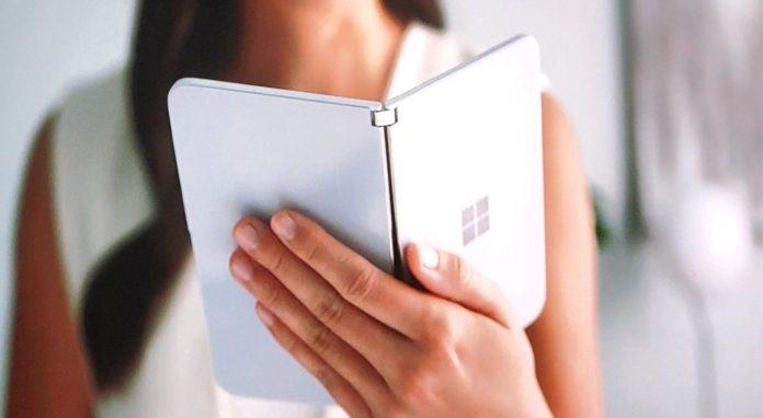 Microsoft Surface Duo îşi dezvăluie în sfârșit specificaţiile: procesor last gen de flagship, 6 GB RAM și cameră de 11 MP