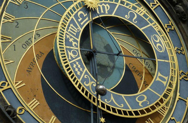 Horoscop duminică, 6 septembrie. Racii primesc un telefon care le va lumina ziua