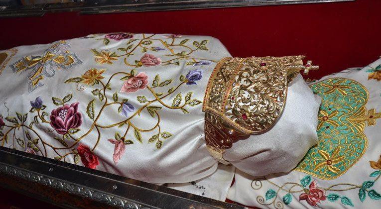 Scandal fără precedent la moaștele Sfintei Parascheva. Patriarhul Daniel este de-a dreptul indignat
