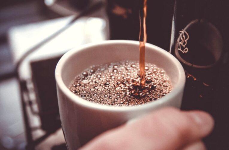 Ce se întâmplă dacă pui bicarbonat în filtru de cafea. Efectele sunt uimitoare. Toți iubitorii de cafea trebuie să știe asta
