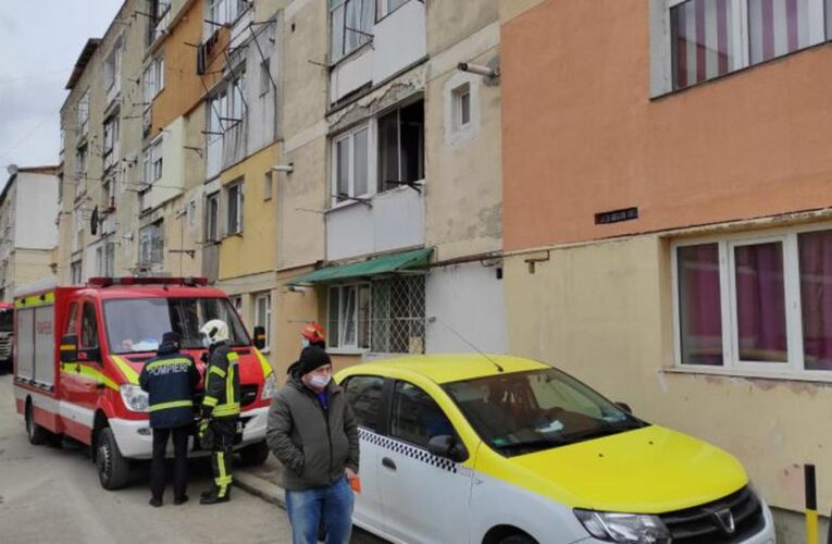Motivul halucinant pentru care un bărbat din Piatra Neamț și-a aruncat în aer locuința. Copilul său se afla înăuntru