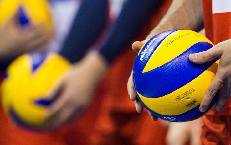 Victorii clare pentru CSM Târgovişte şi CSM Volei Alba Blaj, în Divizia A1