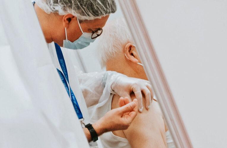 Câți oameni s-au îmbolnăvit după două doze de vaccin: așa știi cât de bine funcționează imunizarea