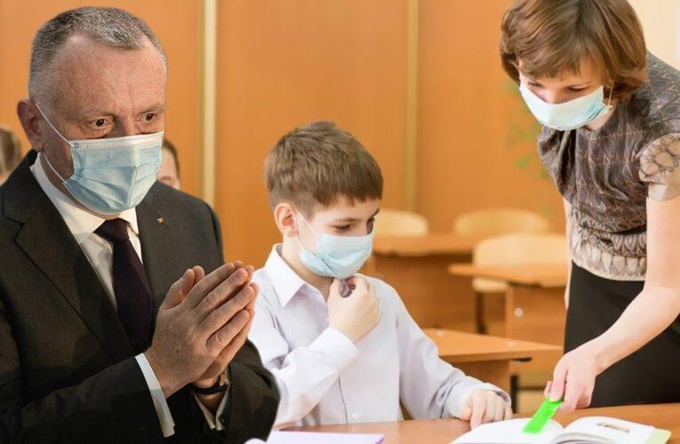 Covid-19 și educația din România: câți copii au coronavirus, câți nu merg la școală fizic