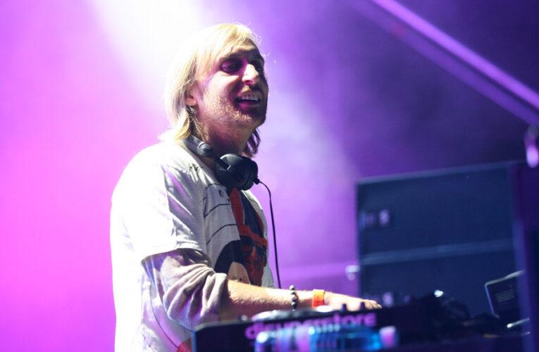Încă un artist care ia o sumă uriașă pentru catalogul său muzical: David Guetta primește 100 de milioane de dolari de la Warner Music