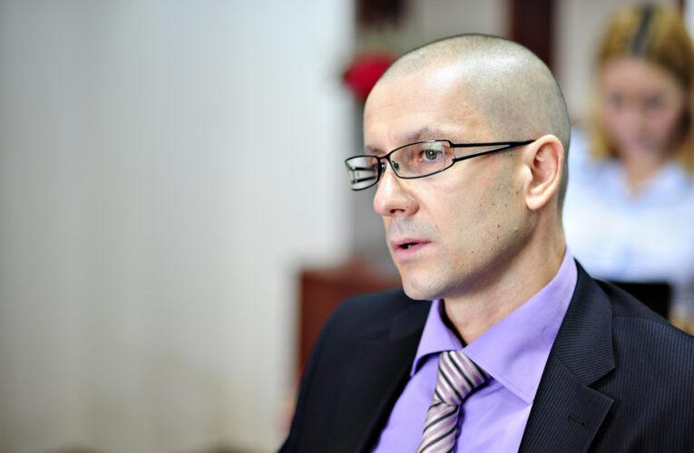 Procurorul Lucian Papici se pensionează și el la 54 de ani / Ce dosare celebre a instrumentat Lucian Papici