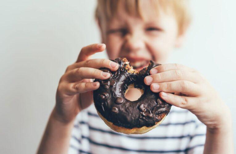 Studiu: Consumul excesiv de zahăr poate afecta dezvoltarea creierului celui mic